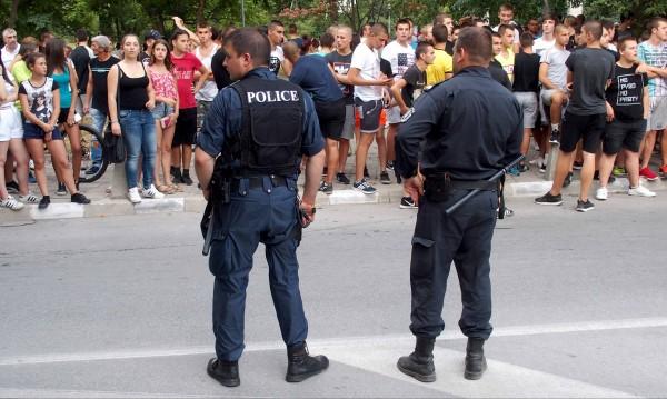 ДПС и ОП на нож: Кой е виновен за конфликта в Асеновград?