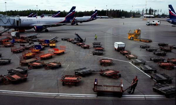 Потоп заля Москва, стотици полети са отложени