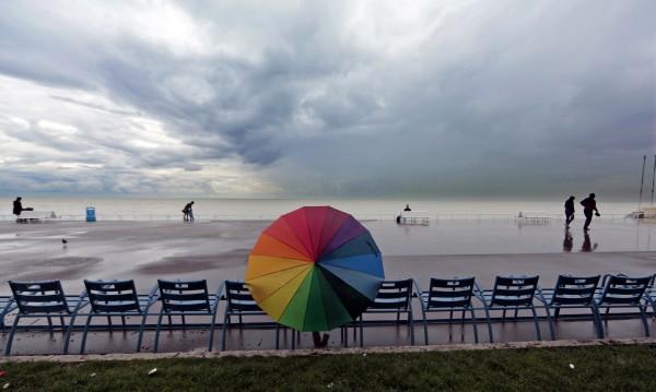 Гръмотевици, градушки, валежи... температурите днес – до 24°