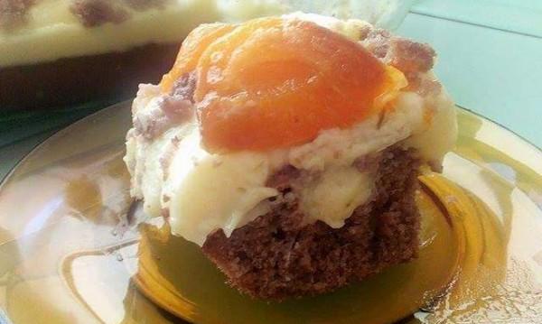 Рецептата Dnes: Летен сладкиш с праскови и пудинг