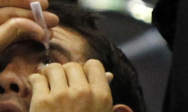 Вместо дрога – ученици прибягват до капки за очи
