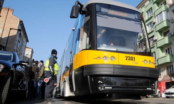 """Нова идея: """"Бърза писта"""" за автобусите – ще минават по релсите на трамвая"""