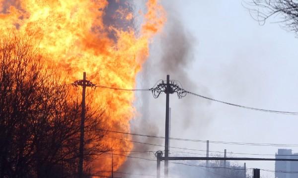 Пет жертви и 89 ранени при взрив на газопровод в Китай