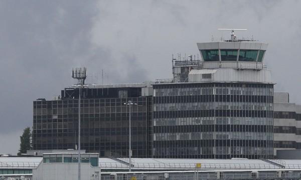 Подозрителен багаж затвори терминал на летището в Манчестър