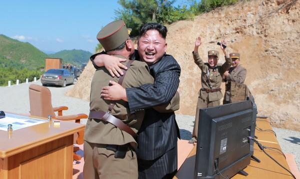 Революция в КНДР? Няма и намек режимът там да падне!