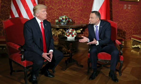 """Полша посрещна Тръмп с новина: Купува """"Пейтриът"""" от САЩ"""