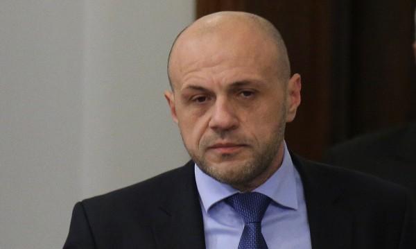 Ремонтът на НДК закъснява сериозно, призна Дончев
