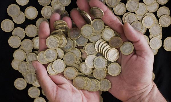 Бизнес и синдикати отново в спор за минималната заплата