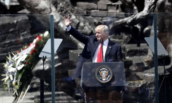 Тръмп: САЩ твърдо зад чл. 5 от договора на НАТО!
