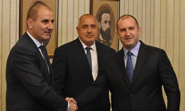 Среща и сдобряване: Няма конфликт Радев-Цветанов!