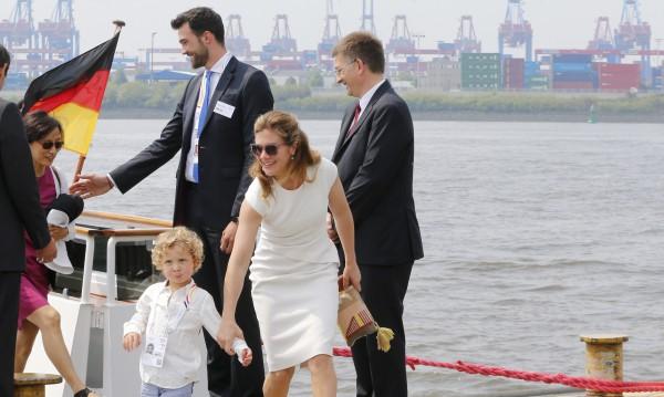 3-годишният син на Трюдо - медийна звезда в Хамбург