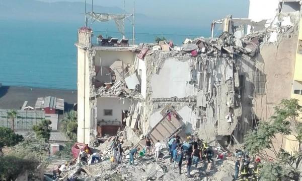 Трагедия в Италия. Осем загинаха при срутване на блок