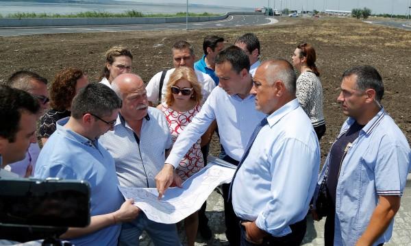 Борисов обеща: Догодина 4 ленти до Слънчев бряг, ако няма жалби