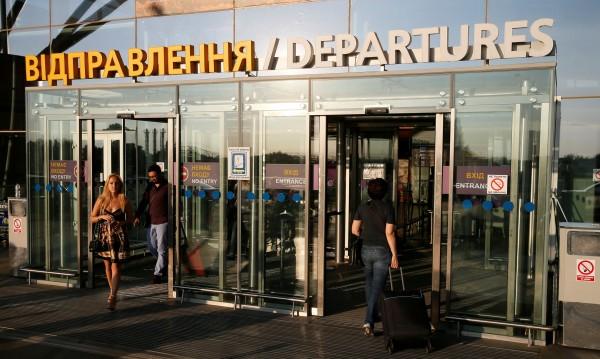Украйна затяга режима: Пуска руснаци след регистрация