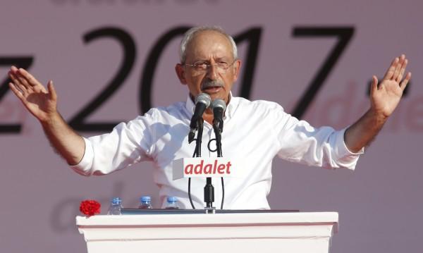 """""""Турският Ганди"""" – може ли Кълъчдароглу да победи Ердоган?"""