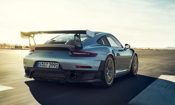 """Най-свирепото Porsche 911 закова 336 км/ч на """"Нюрбургринг"""""""