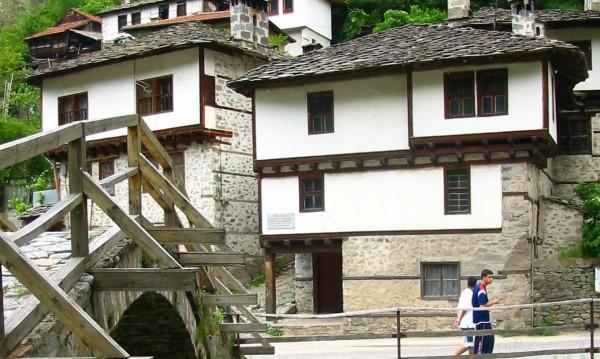 В България, в хотели и мотели: Местата се увеличават, туристите намаляват