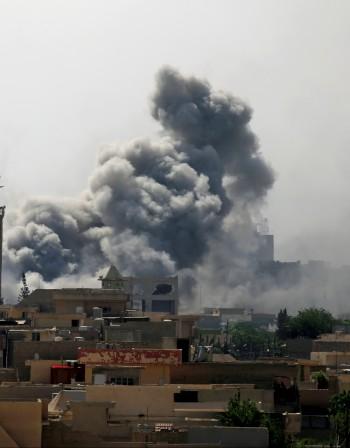 Откъслечни боеве в Мосул след обявената победа над джихадистите