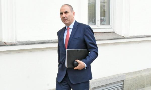 БСП искат оставка на МВР-шефа? Нормално за тях, смята Цветанов
