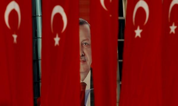 В Турция: Готвят арест на 34 бивши служители на държавната ТВ