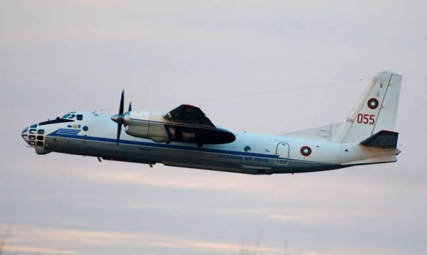 Военен самолет спаси няколко живота, транспортира органи