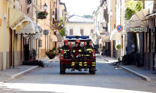 Множество пожари обхванаха Италия