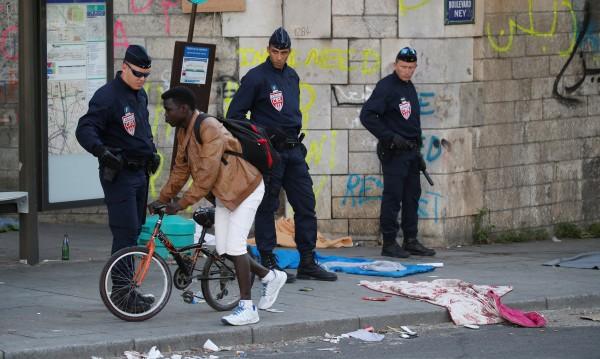 Франция по-внимателна с убежищата. Предвижда повече депортации