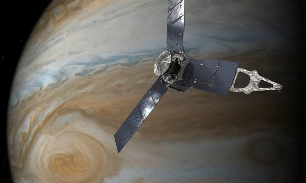 НАСА: Впечатляващи снимки на Голямото червено петно на Юпитер