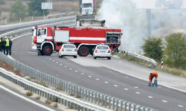 "Пожар отклони движението по ""Тракия""  край Карнобат"
