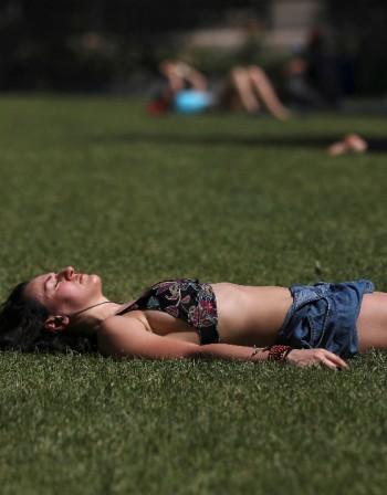 Как да успокоим слънчевото изгаряне с храна