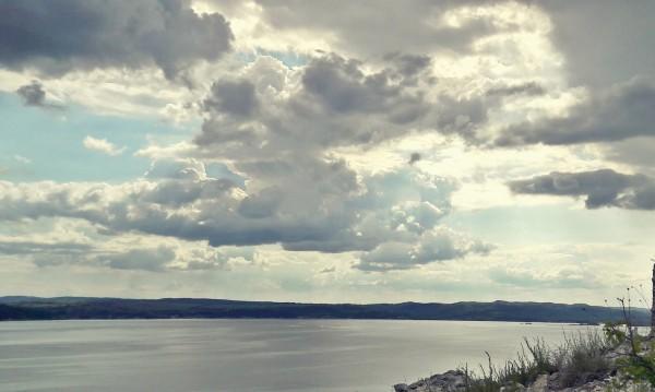 В първия ден на уикенда – облаци и валежи
