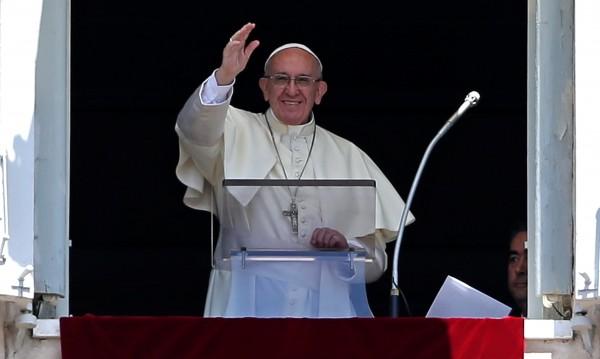 """""""Оплакванията са забранени"""" - табелата на вратата на папата"""