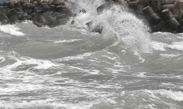 Жълт код за вятър и вълнение по Черноморието