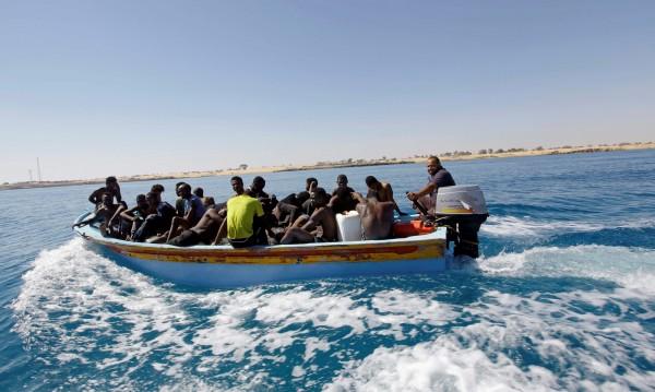 Евросъюзът обмисля влизане в либийски води