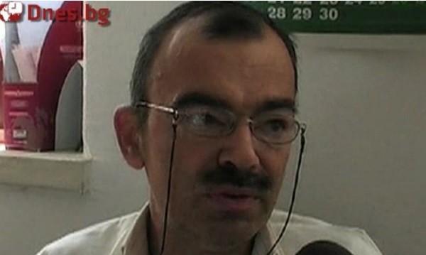 Отиде си д-р Деянов, който от години болен лекуваше пациентите си