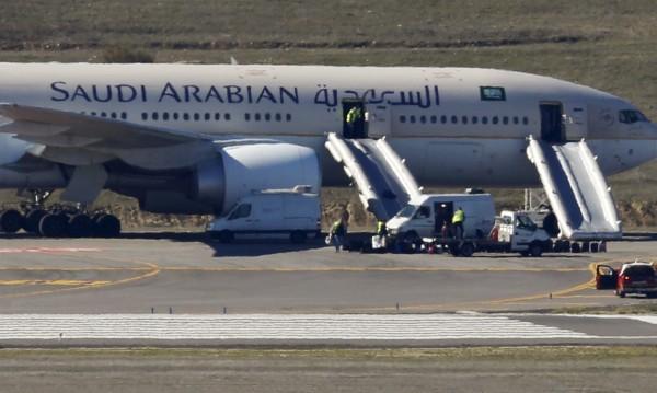 САЩ отмениха забраната за лаптопи в близкоизточни самолети