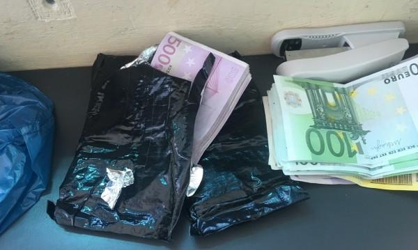 Удар след удар: Пипнаха валута и злато за 1 млн. лева