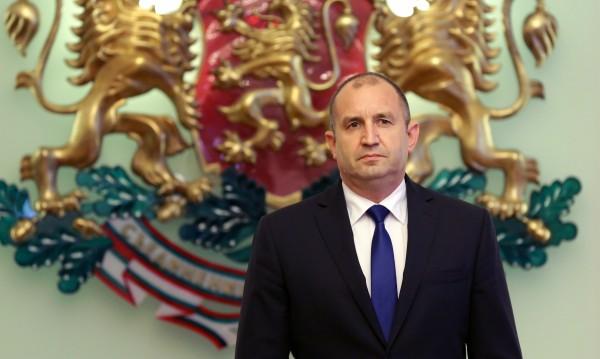 Радев сезира Конституционния съд, иска тълкуване за СЕТА