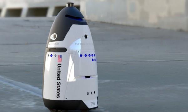 Робот-полицай не издържа, посегна на живота си