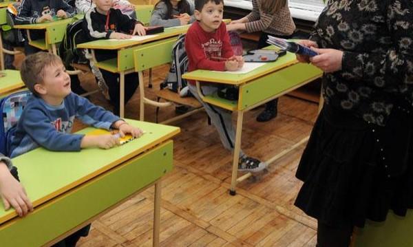 """Отмяната на класовете ще изкара """"работещите бедни"""" на протест"""