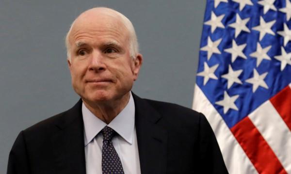 Сенаторът Джон Маккейн със злокачествен тумор на мозъка