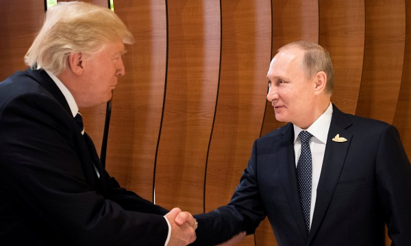 """Белият дом: """"Таен"""" разговор Тръмп – Путин? Смешно!"""
