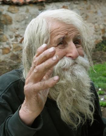 Дядо Добри – благият просяк-светец на 103 години
