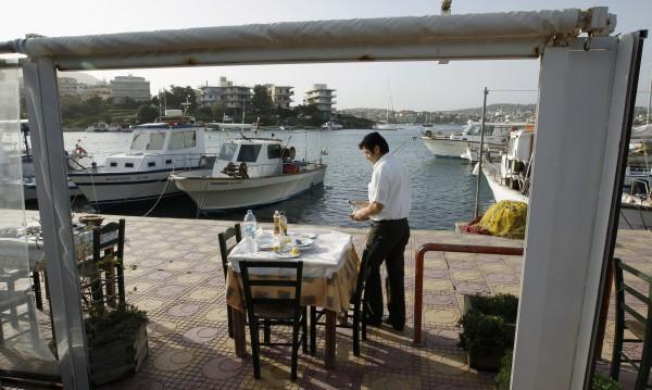 Работещите в туризма в Гърция на протест