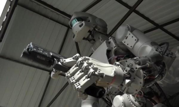 Русия се въоръжава, пуска роботи на фронта от 2030-а