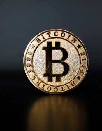 Голям ден за виртуалната валута. Биткойн пocкъпна с 25%
