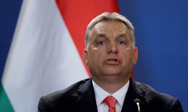 Орбан за оградите по границата: Спират мигрантите мюсюлмани