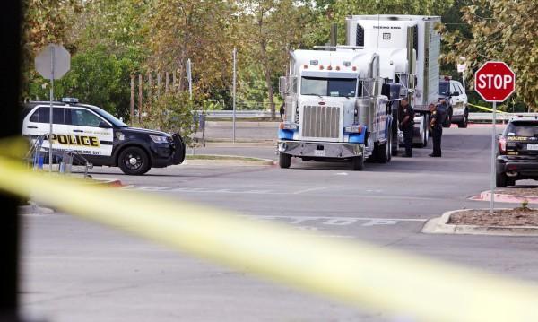 Пак трагедия: Две деца бежанци са открити мъртви в камион в Тексас