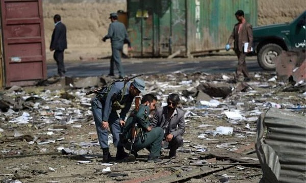 Кола-бомба окървави Кабул - най-малко 10 жертви