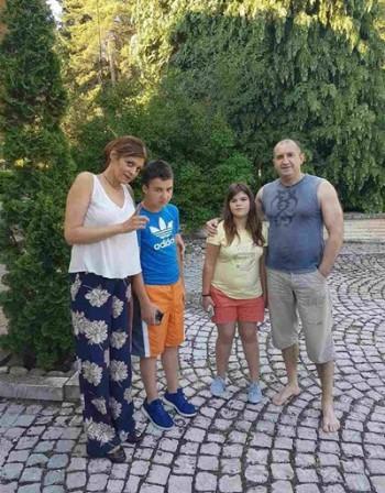"""Малко лукс в """"Бояна"""" за Лили и Митко и пак на нивата в село"""